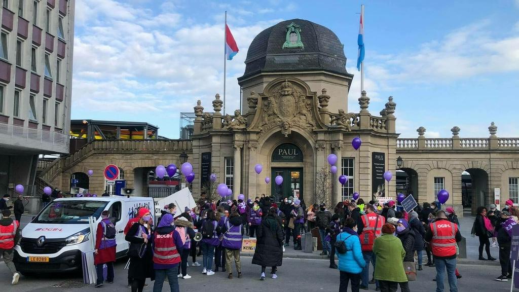Plusieurs routes fermées :Manifestation pour les droits des femmes à Luxembourg